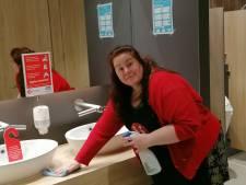 Boek van toiletjuffrouw uit Almelo: 'Vieze dingen vind ik erg fascinerend'