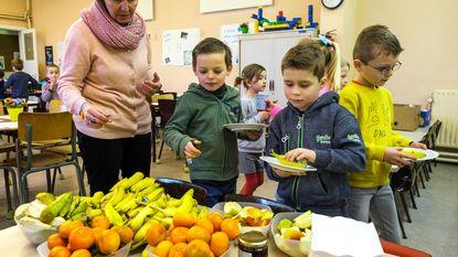 Sint-Lucia trakteert leerlingen op gezond ontbijt