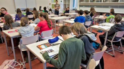 """De Wever en Crevits in de clinch over achteruitgang schoolprestaties, experts spreken van """"falend beleid"""""""