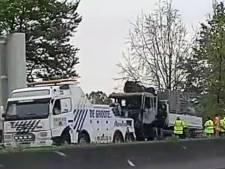 Zware hinder op R4 aan Oostakker door brandend voertuig
