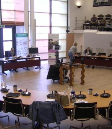 Raadsvergadering Valkenswaard voor helemaal niemand thuis te volgen