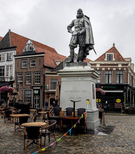 KOZP-activiste raakt baan kwijt na bekladding bij standbeeld, gemeente staat achter aangifte