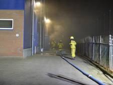 Brand in opslag fietsaccu's Apeldoorn, brandweer: dit is niet te vergelijken met Stella-vuurzee Nunspeet