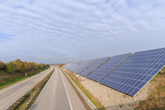Zonnepanelen langs de Duitse Autobah