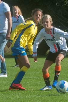 Nederlanders sporten vaker: meisjes zijn massaal gaan voetballen, yoga populairder dan tennis