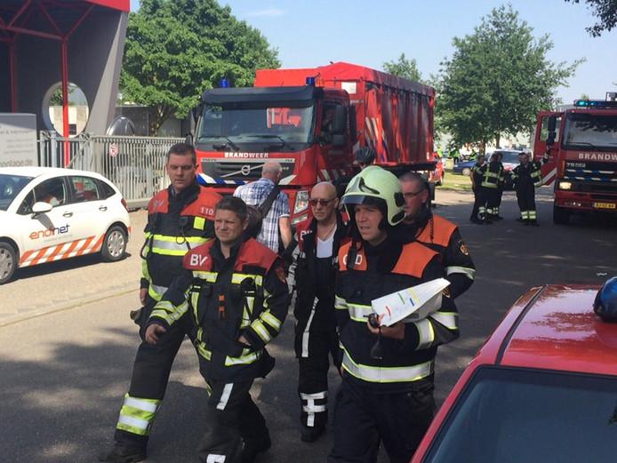 Bij het bedrijf Xycarb Ceramics in Helmond is donderdagmiddag rond 14.15 uur brand uitgebroken.