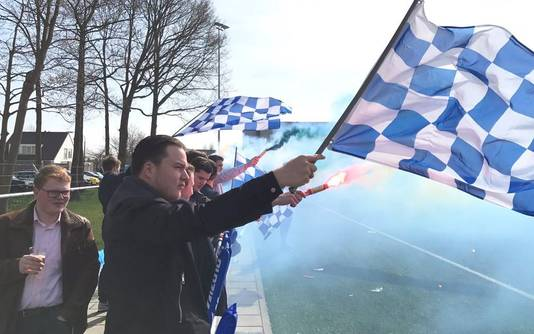 De fans van Cluzona zijn inmiddels in de regio bekend om hun fanatisme.