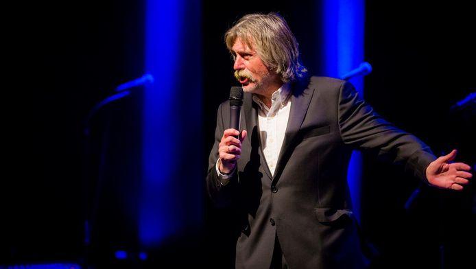 Johan Derksen staat vanavond met zijn show in Het Zuiderstrandtheater.
