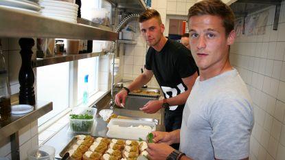 Sporting verzamelt voor culinaire teambuilding