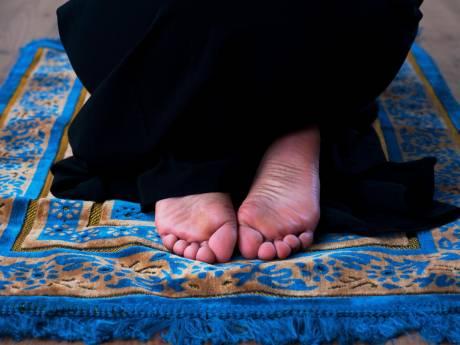 Imam die niet-moslims varkens noemde komt voor de rechter