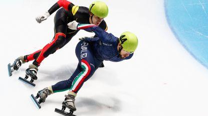 Snelschaatser Mathias Vosté schaatst 500 meter tegen Duitser Joel Dufter