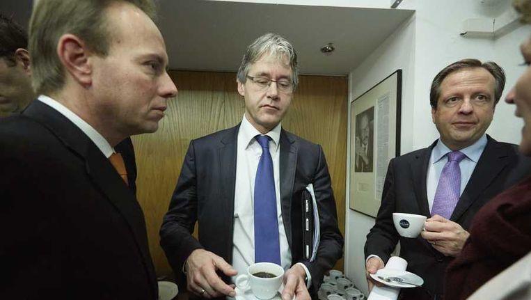 Kees van der Staaij van de SGP (links), Arie Slob van de CU (midden) en D66-leider Alexander Pechtold (rechts) na afloop van de toelichting over het woonakkoord Beeld anp