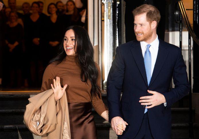 Prins Harry en echtgenote Meghan tijdens een bezoek aan Canada House tijdens hun kerstvakantie.