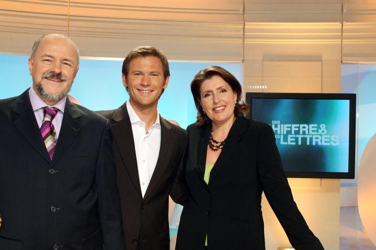 Bertrand Renard, Laurent Romejko en Arielle Boulin-Prat in de studio van 'Des chiffres et des lettres'