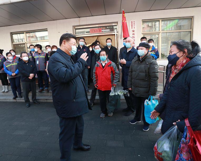De leider bezocht ook een woonwijk in Peking.