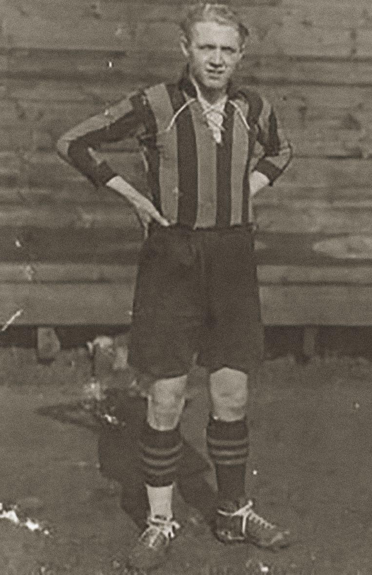 Bernard Voorhoof in het shirt van Lierse.
