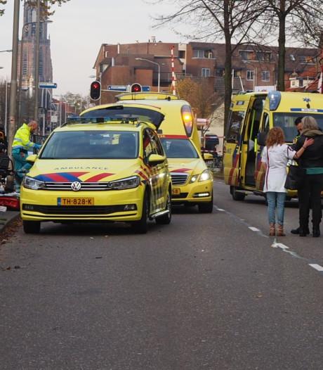Drie gewonden bij zware crash in Amersfoort, tweede traumaheli onderweg