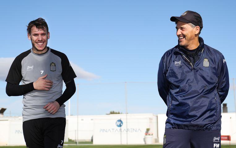 Romain Grange met coach Felice Mazzu.