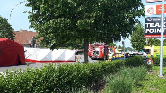 Het ongeval gebeurde op de Hundelgemsebaan ter hoogte van de Aldi-supermarkt.