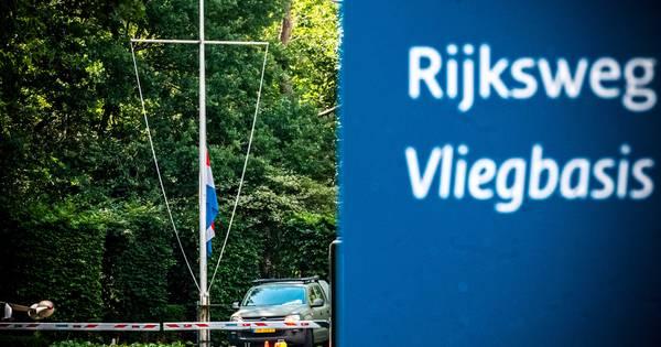 Medewerker Luchtmacht gewond door aanrijding met ree op vliegbasis Gilze-Rijen.