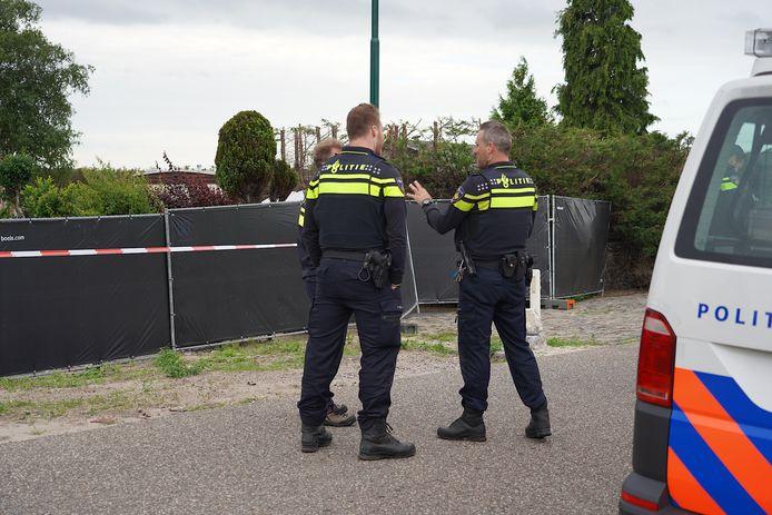 Vanochtend werd een inval gedaan bij Jan B. in Hulten.