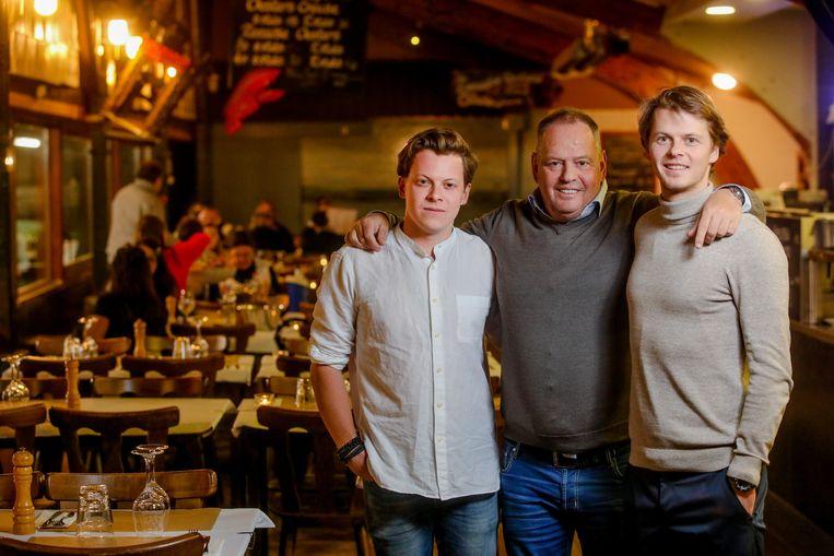 Zonen Robbe (links) en Pieter (rechts) zijn de opvolgers van Piet Devriendt.
