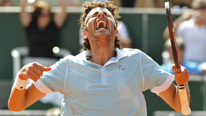 Robin Haase is uitzinnig van vreugde na zijn eerste winst van een ATP-toernooi.