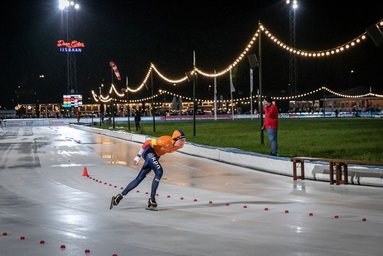 Regerend olympisch kampioen Esmee Visser  in actie op de Jaap Edenbaan.   Beeld Dingena Mol