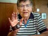 Mientje (87) is trots op de handpalm van haar vader: 'Het is me erg dierbaar'