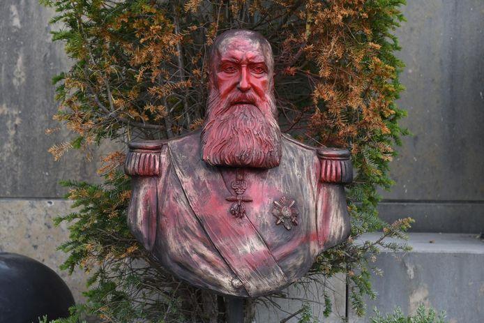 De bekladde buste van Leopold II.