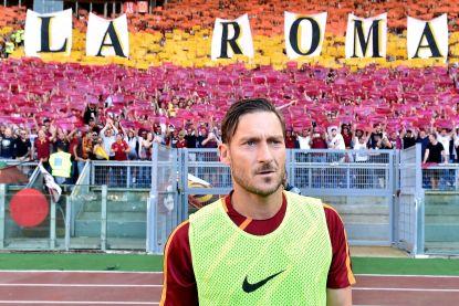 Totti neemt afscheid van Roma met zege, Mertens scoort wéér maar moet naar voorrondes kampioenenbal