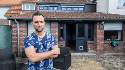 """""""Opgelicht door mijn eigen jeugdvriend"""": jong gezin ziet 6.000 euro 'voorschot' voor dakwerken in rook opgaan"""