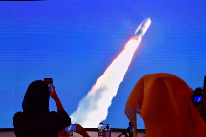 Diffusion du lancement au Centre spatial Mohammed bin Rashid de Dubaï