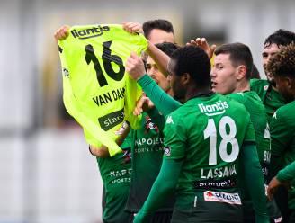 Het nummer 16 in de lucht: Cercle-spelers eren Van Damme met mooi gebaar na voorsprong tegen Anderlecht