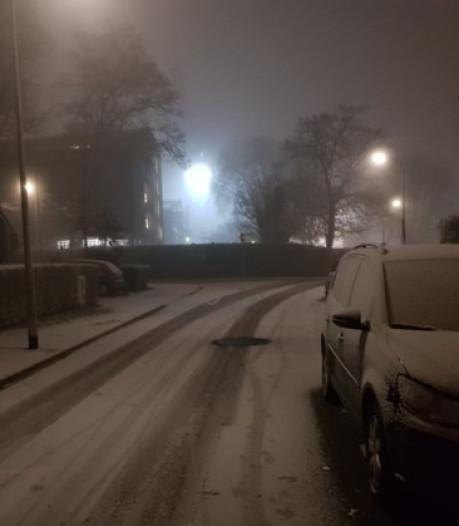 Eerste sneeuw dwarrelt neer in Zuid-Limburg, maar het is niet wat het lijkt