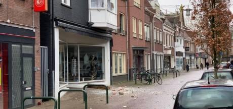 Meerdere gewonden na explosie in woning boven winkelpand in Terborg