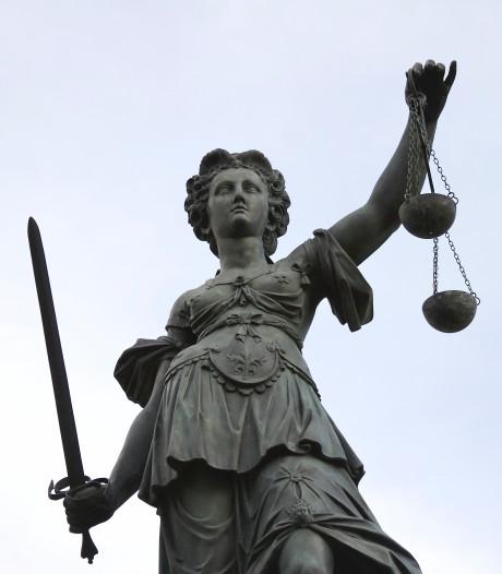 Officier eist taakstraf voor veel delicten,   onder meer in Eindhoven