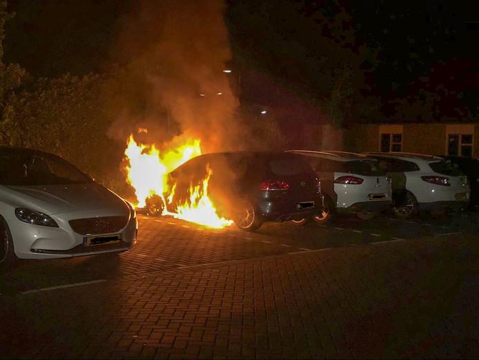 De autobrand in Gouda van afgelopen nacht.