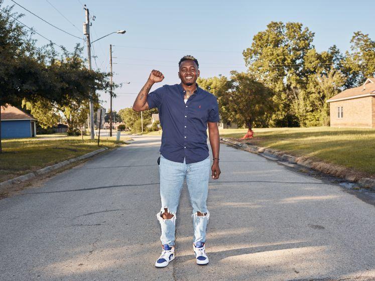 Roderick (33) vecht tegen politie en justitie nadat ze zomaar zijn huis binnenvielen