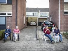 Samen bingoën in Ootmarsum, maar wel op de eigen oprit