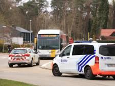 Belgische buschauffeur slachtoffer van 'coronaspuger' na klapband: 'Nu thuis bang afwachten, met dochter die tot risicogroep behoort'