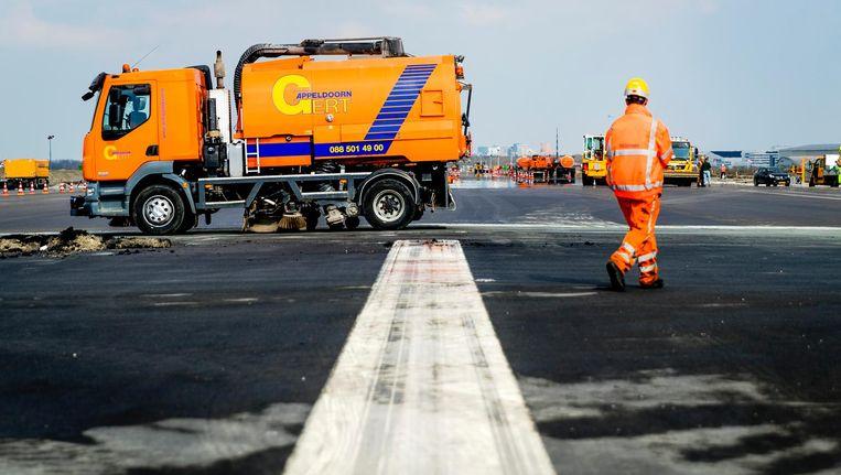 Twee jaar geleden was de Kaagbaan zes weken buiten gebruik voor een nieuwe asfaltlaag, dat leidde tot een klachtenexplosie. Beeld ANP