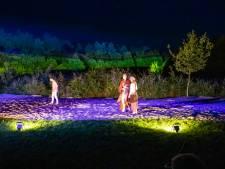 Gebruik omgeving Mierlose tuin geeft toneelvoorstelling Kust iets extra's