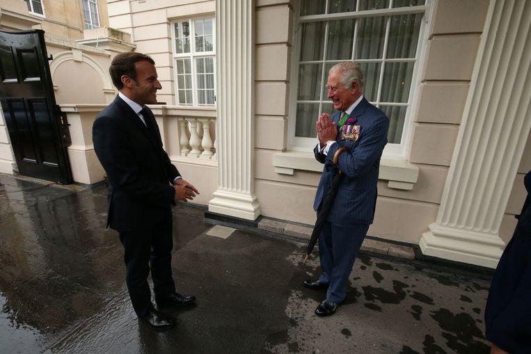 Kroonprins Charles kreeg vandaag bezoek van de Franse president Emmanuel Macron. Beeld REUTERS