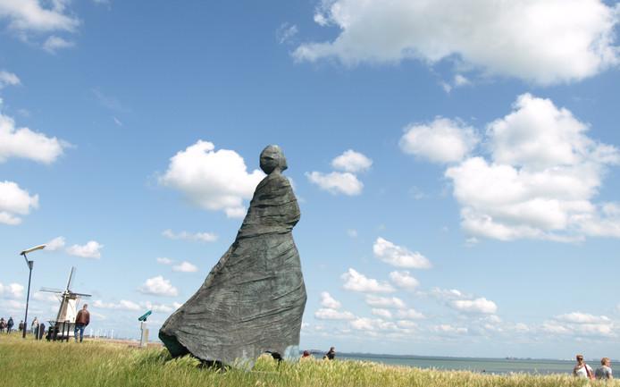 Standbeeld De Bruid, in de volksmond ook wel de vissersvrouw genoemd.