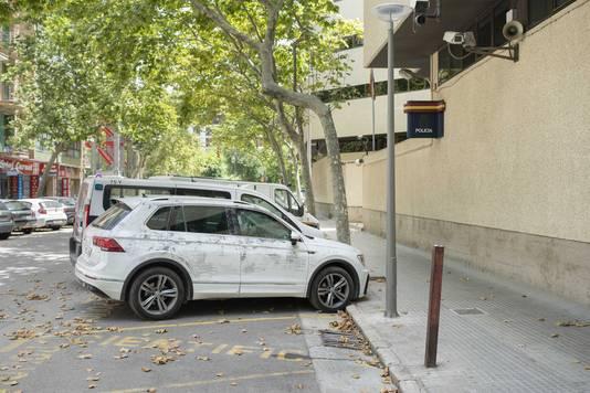 De politie heeft de VW Tiguan in beslag genomen waarmee de eerste verdachte de stervende Wouter van Luijn naar het ziekenhuis zou hebben gebracht.