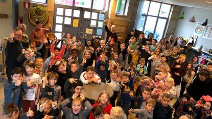 Basisschool De Krekel klinkt op het nieuwe jaar met leerlingen