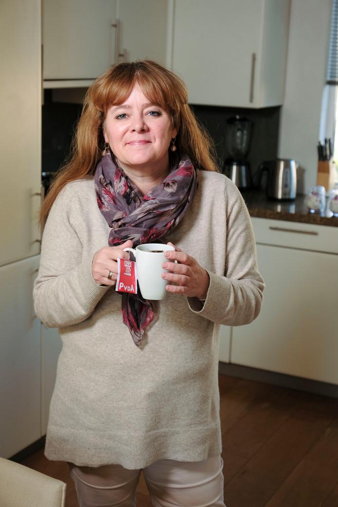 Margot Kraneveldt, fractievoorzitter PvdA in Zoetermeer vindt dat huurders niet achter mogen blijven bij het uitdelen van ledlampen om huizen te verduurzamen.