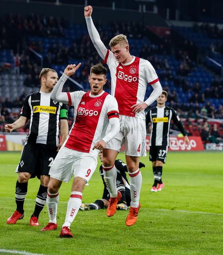Dolberg helpt Ajax aan oefenzege op Mönchengladbach