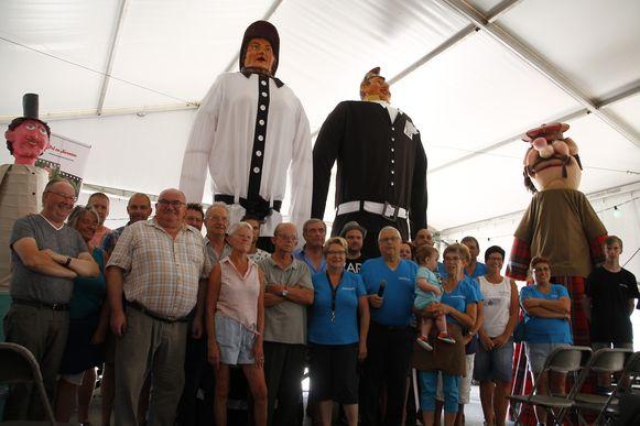 Het comité en de bewoners vierden reuzen Pol en Hermine.